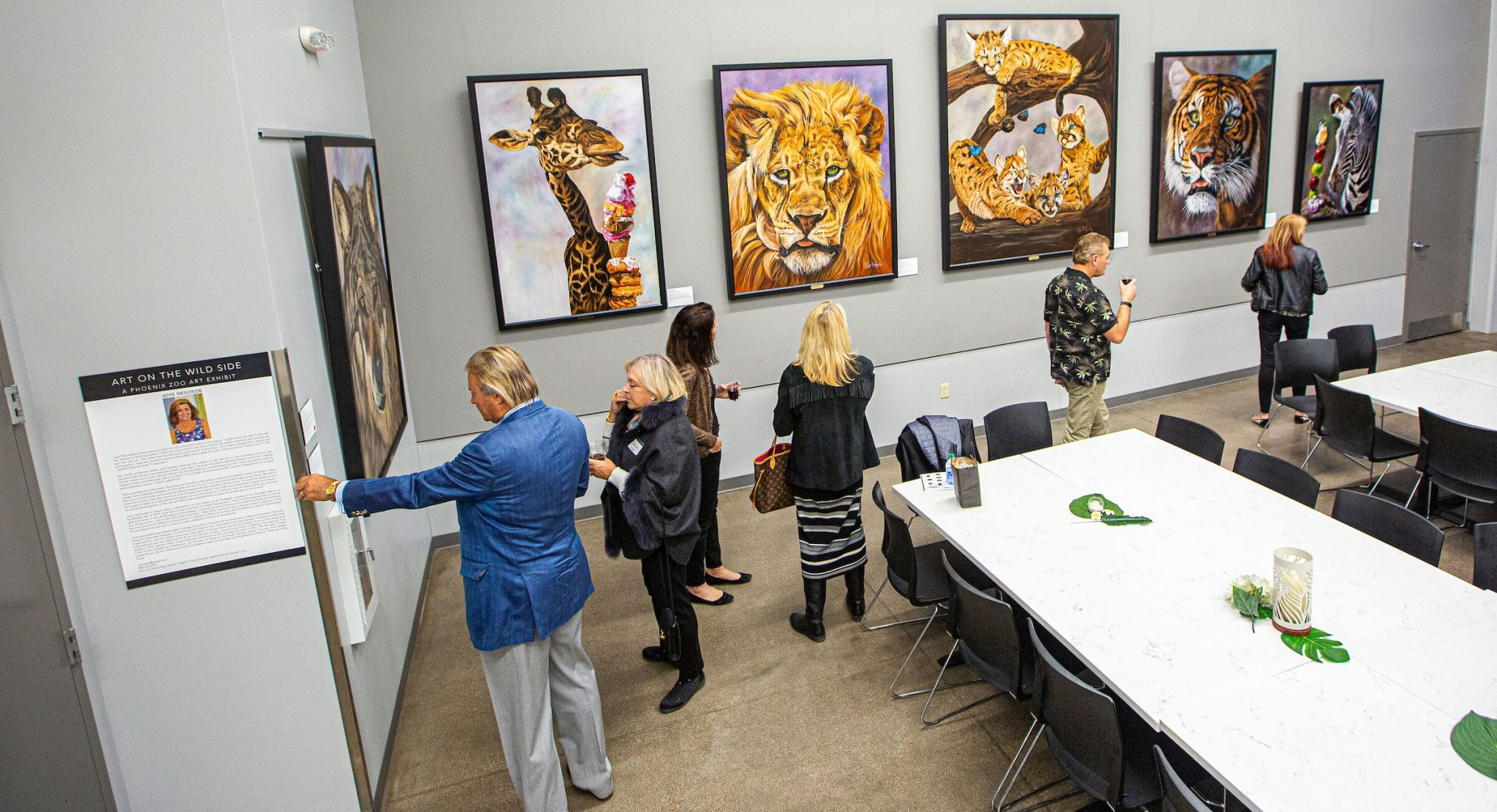 Gallery Feature: Phoenix Zoo's Savanna Gallery